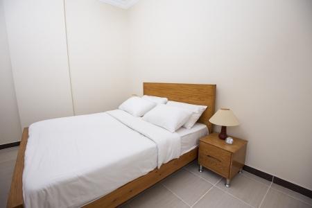 Красивая кровать со шкафами