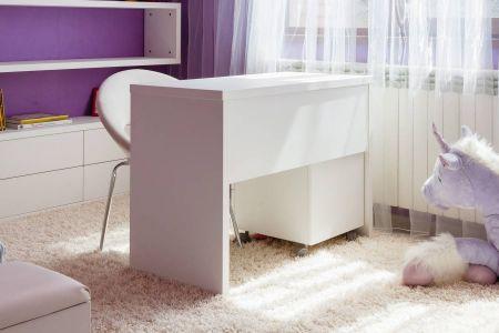Белый стол для девочки
