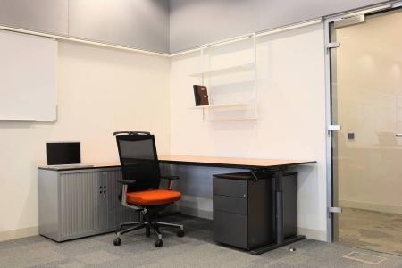 Удобный стол для офиса
