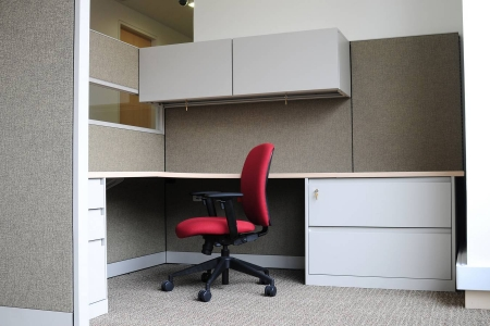 Офисный стол с ящиками