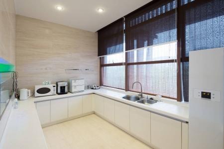 Кухня без верхних ящиков