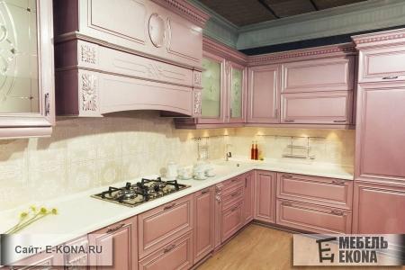 Кухня с декорированными фасадами