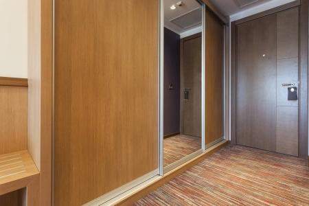 Встроенный шкаф купе для квартиры